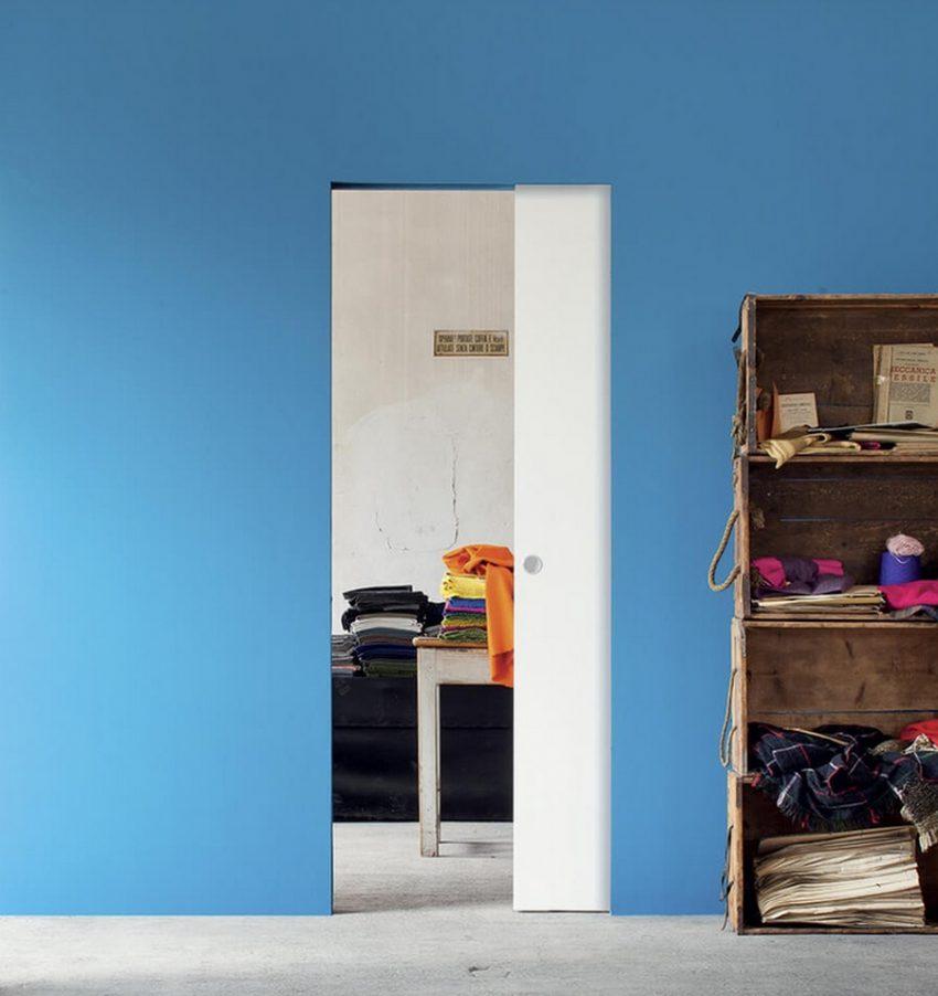 Schiebetür Eclisse zargenlos Referenz - blaue Wand